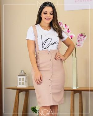 Jardineira secretária e t-shirt | Moda Evangelica e Executiva