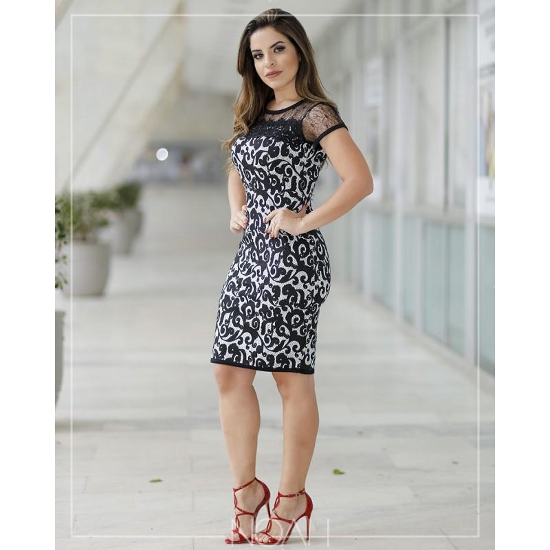 45b23d5b89 Beatriz - Vestido em renda PB